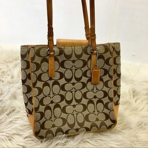 Coach Classic Signature Lunch Tote Bag. Tan